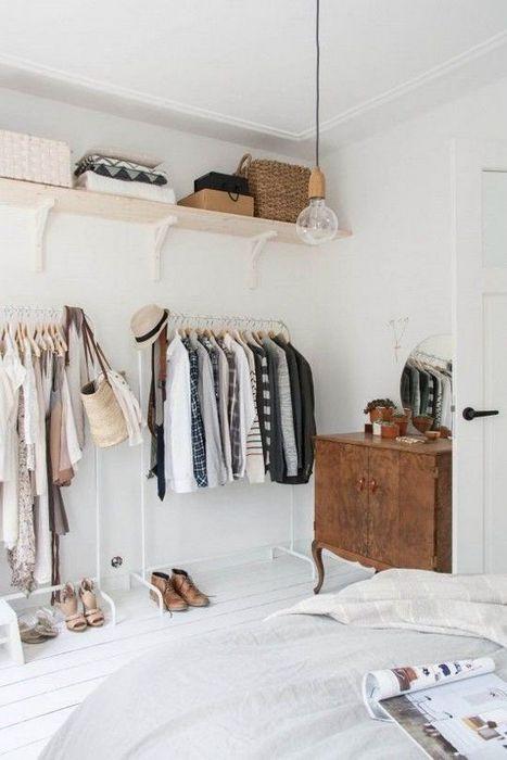 Когда в квартире нет гардеробной.