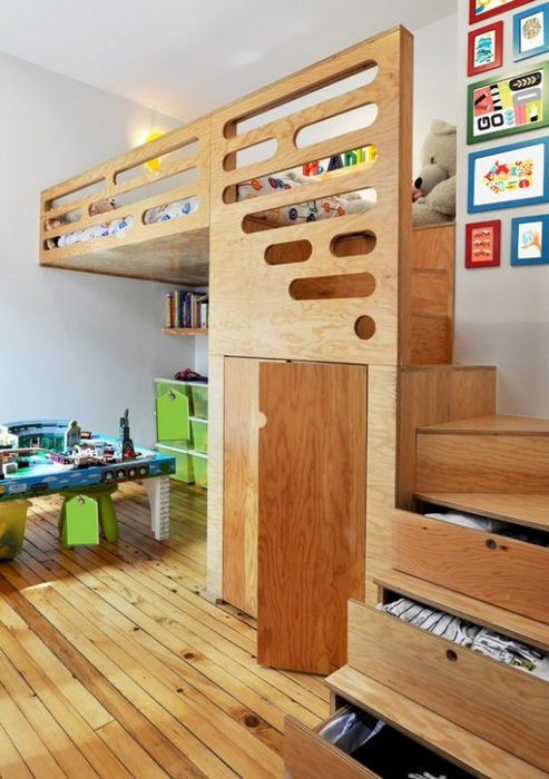 Плюсы высоких потолков в детской комнате.
