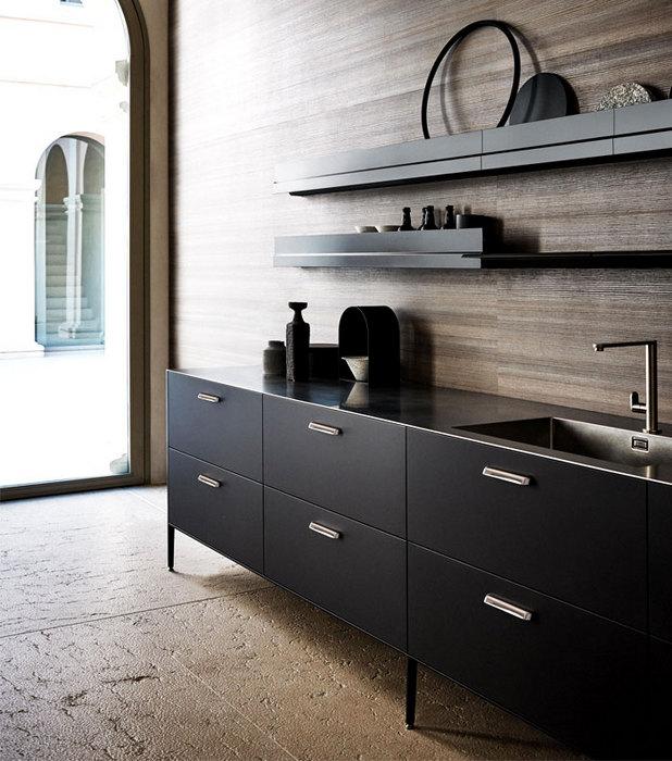 Модный угольный оттенок в интерьере кухни.