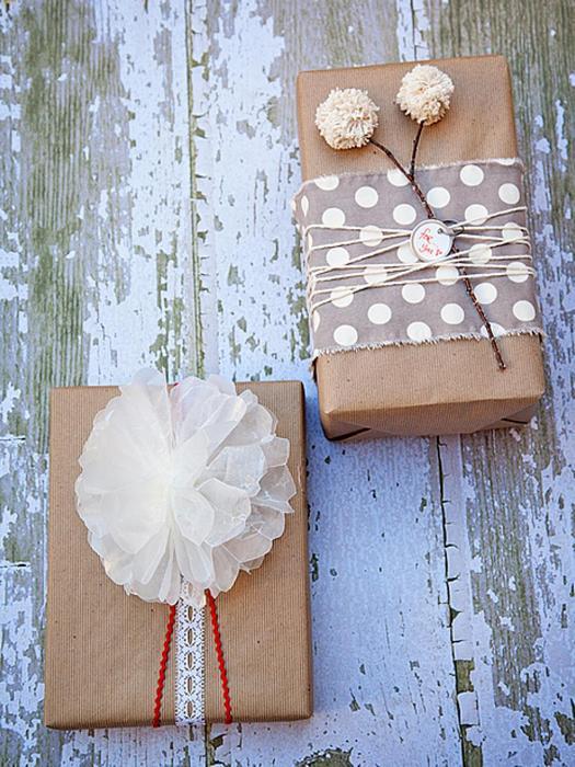 Декор для крафтовой упаковки подарка.
