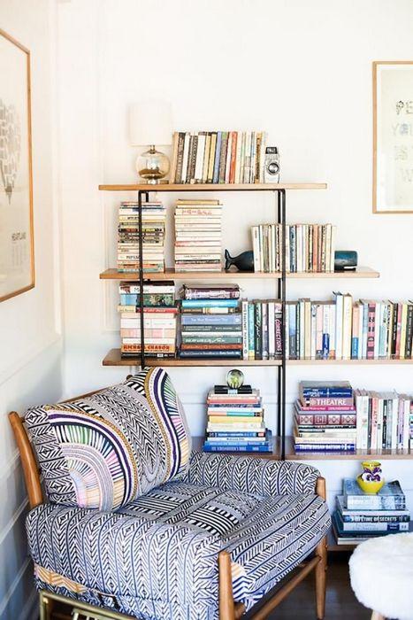 Пример того, как можно хранить книги.