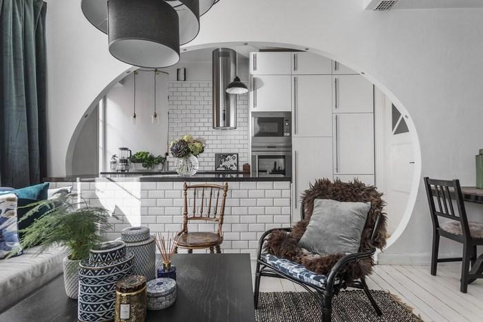 Арка между кухней и гостиной, как зонирующий элемент.