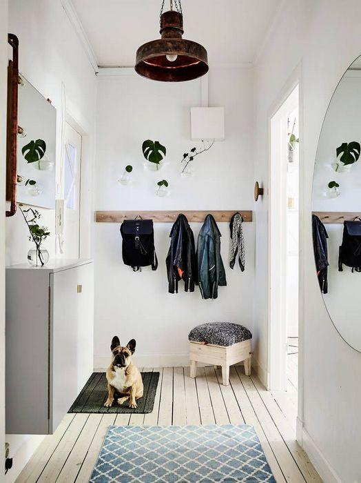 Напольное покрытие также может повлиять на визуальное восприятие комнаты.
