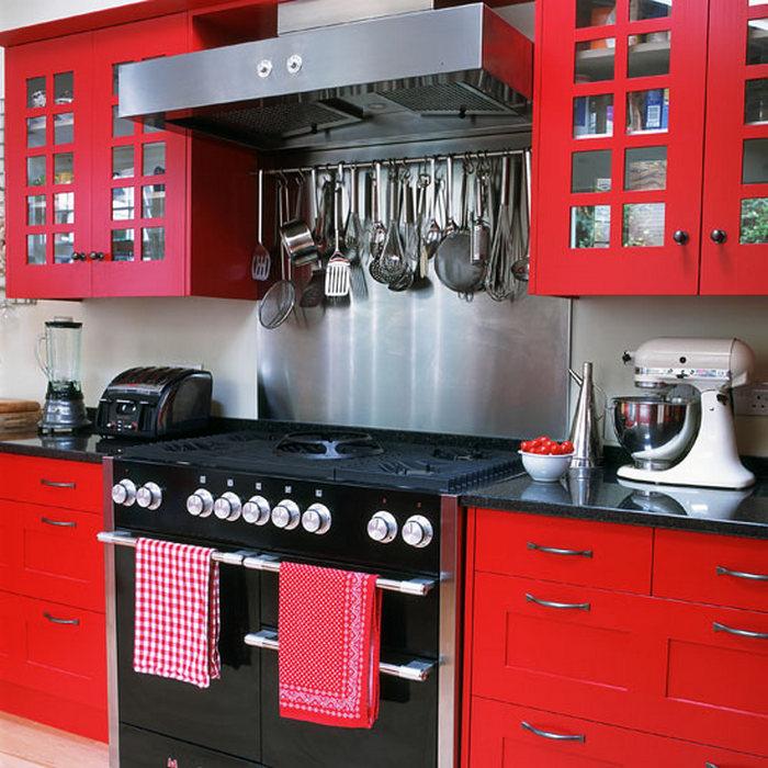 Рейлинг - удобная система хранения для кухни.