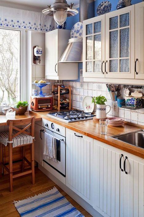 Стильная и красивая маленькая кухня.