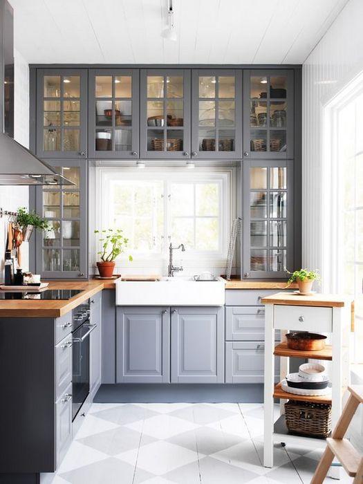 Пример оформления кухни в деревенском английском стиле.
