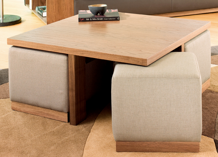 Функциональная мебель для маленькой гостиной.