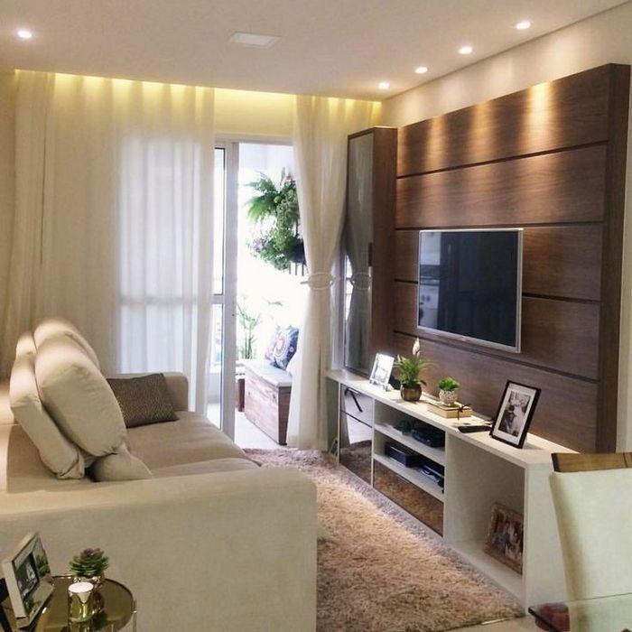 Точечное освещение в маленькой гостиной.