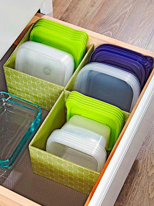 Хранение пластиковых крышек и контейнеров.