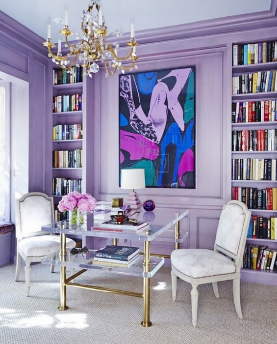 Светло-фиолетовые стены в интерьере.