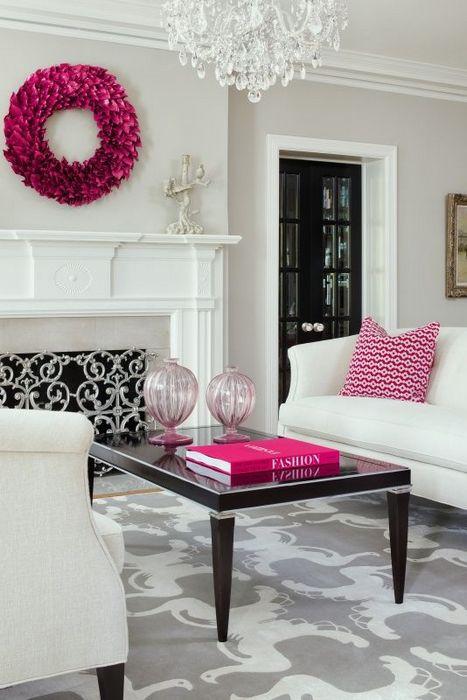 Стильный декор белого интерьера.