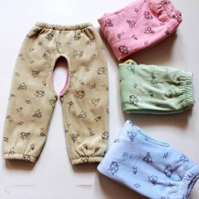 Открытые детские штанишки.