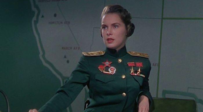 Кадр из голливудского фильма «Пилот реактивного самолета» (1957). / Фото: i.pinimg.com.