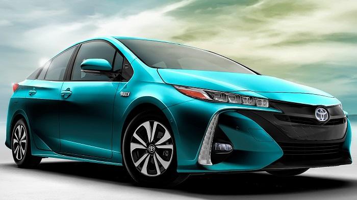 Toyota Prius - популярнейший гибрид.