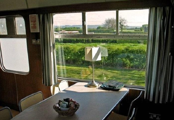 Пейзаж открывающийся из окна столовой.