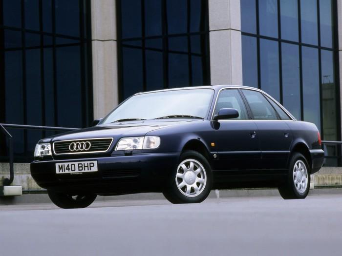 Audi A6 не может похвастать харизмой как Mercedes-Benz W124 или BMW E34, но это еще один надежный немецкий автомобиль из 90-х. | Фото: autoevolution.com.