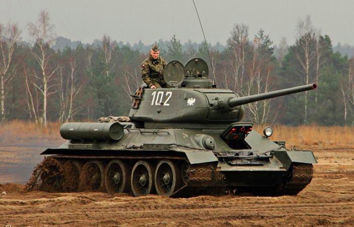 Т-34-85 - советский средний танк конца Великой отечественной войны. | Фото: warwall.ru.