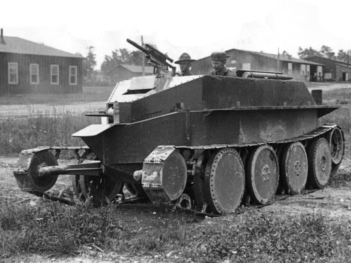 Испытания колесно-гусеничного танка Christie M1928. | Фото: tankarchives.blogspot.com.