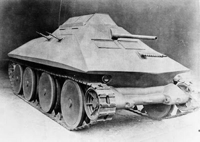 Суперрикошетная броня танка Christie M1942. | Фото: pinterest.com.
