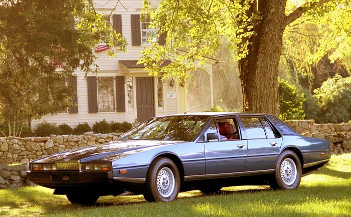 Aston Martin Lagonda (1976).