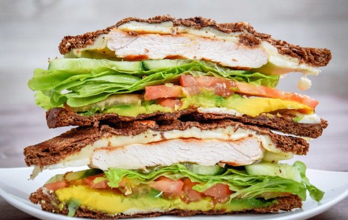 Для тех, кто любит разнообразие - сэндвич с индейкой на гриле.