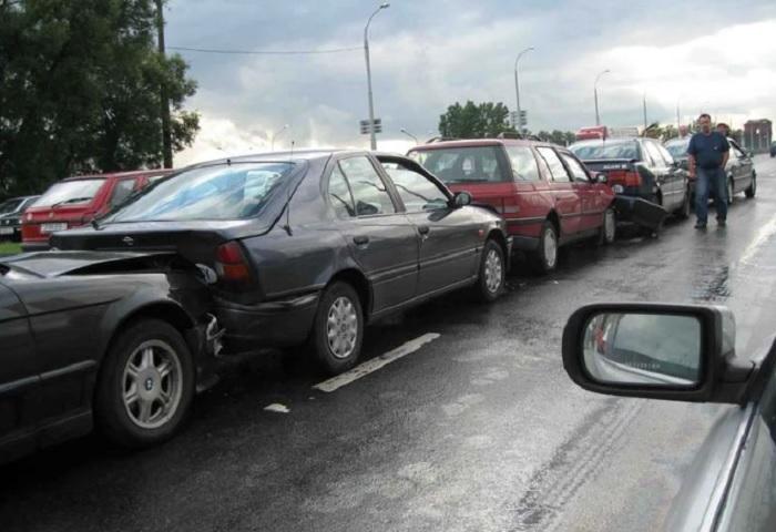 Как заставить хамоватого автомобилиста, «прилипшего» сзади, держать дистанцию