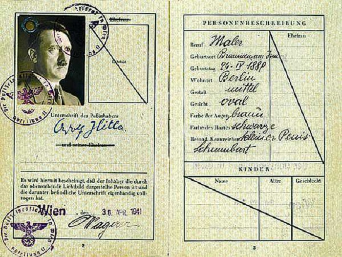 Паспорт Адольфа Гитлера.