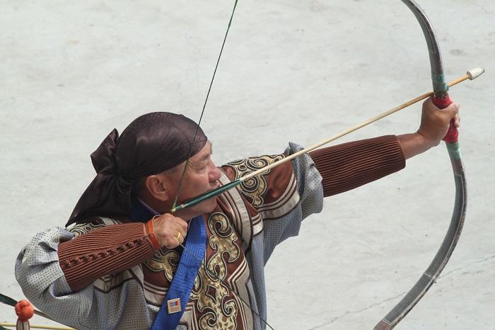 Как монгольский составной лук поменял историю.