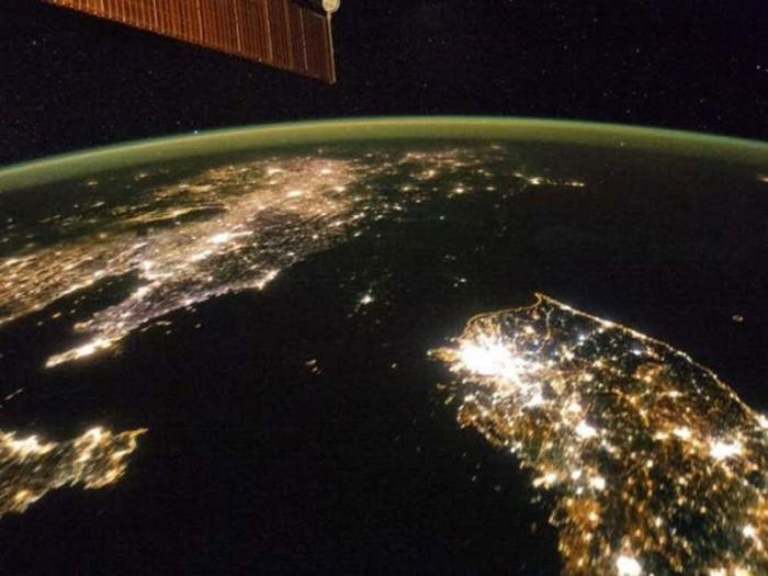 Северная Корея в темноте. | Фото: therichest2.imgix.net.