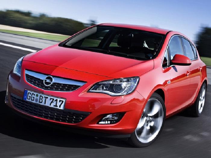 Opel Astra – наиболее популярная модель немецкого автопроизводителя. | Фото: caradisiac.com.
