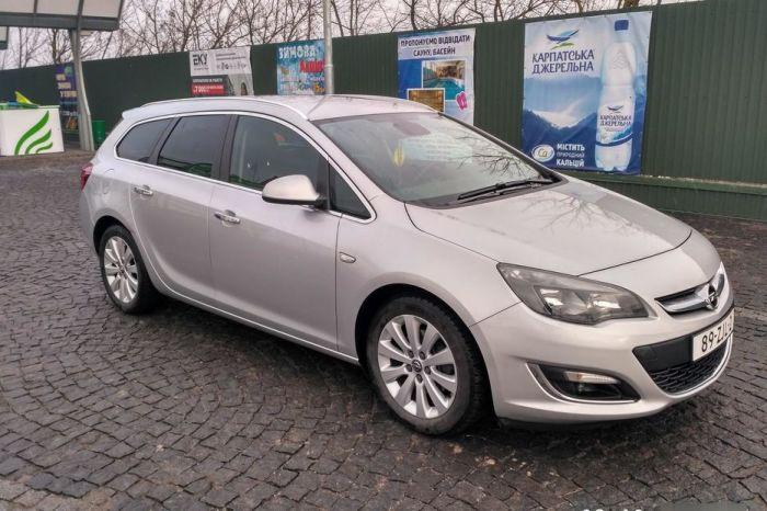 Компактные хэтчбеки, седаны и универсалы Opel Astra не отличаются высоким качеством лакокрасочного покрытия. | Фото: cars.ua.