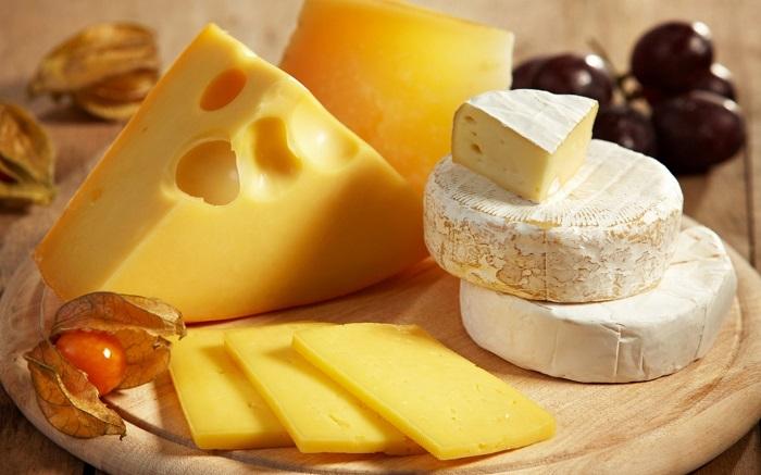 Сыр - это полезно.