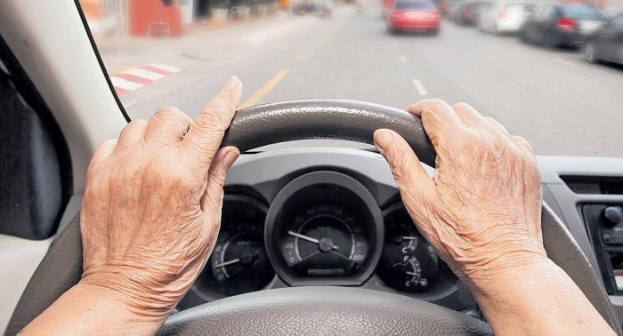 Пенсионеры за рулем. | Фото: images02.noen.at.