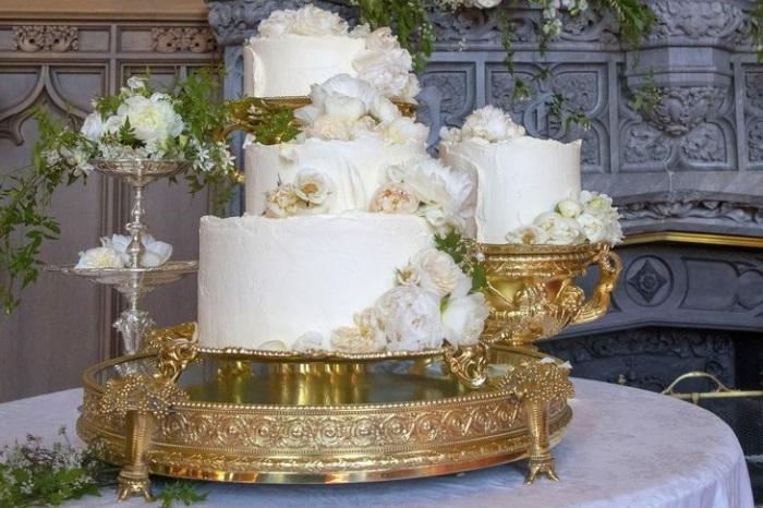 Свадебный торт принца Гарри и Меган Маркл.