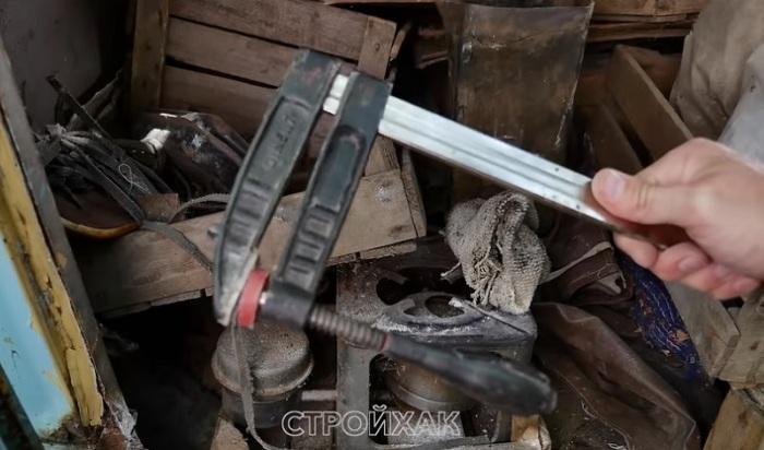 Струбцина отлично подойдет для самоделки.   Фото: youtu.be/HPrxTtoWexI.