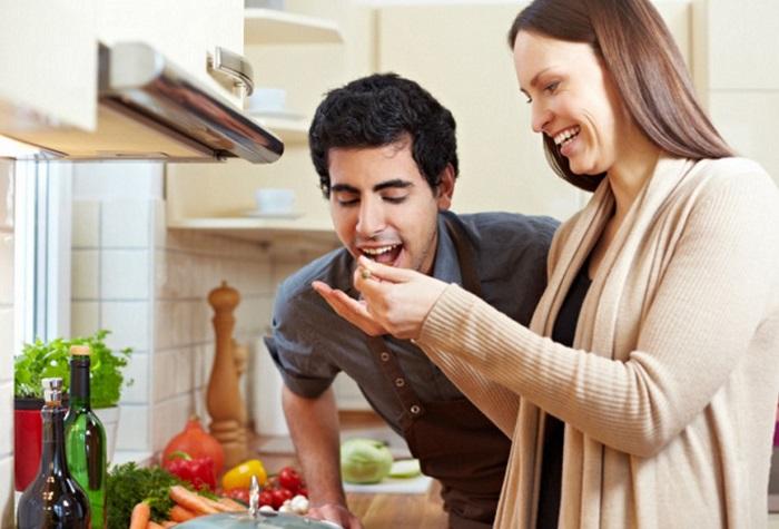 Ученые узнали, чем нужно накормить человека, чтобы изменить его настроение в нужную сторону