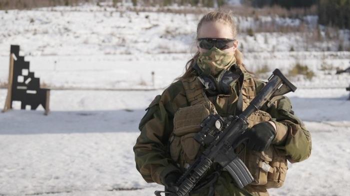 В норвежской армии женщины имеют те же права, что и мужчины. | Фото: bbc.com.