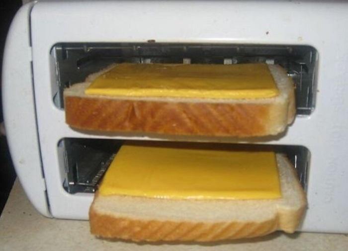 И не кладите сыр в тостер!