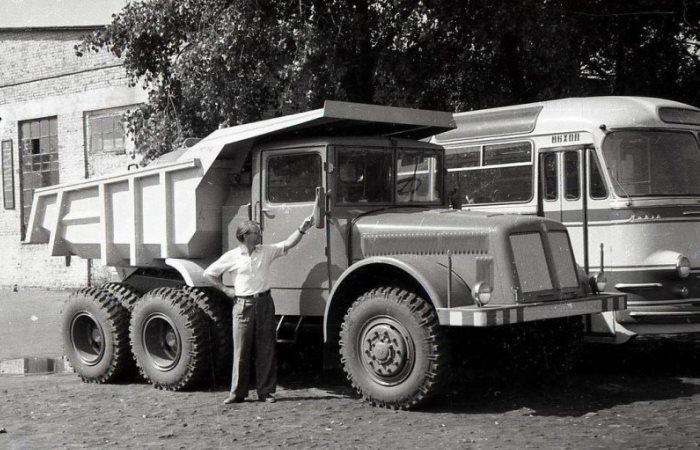 Архивные фотографии редких автомобилей СССР.