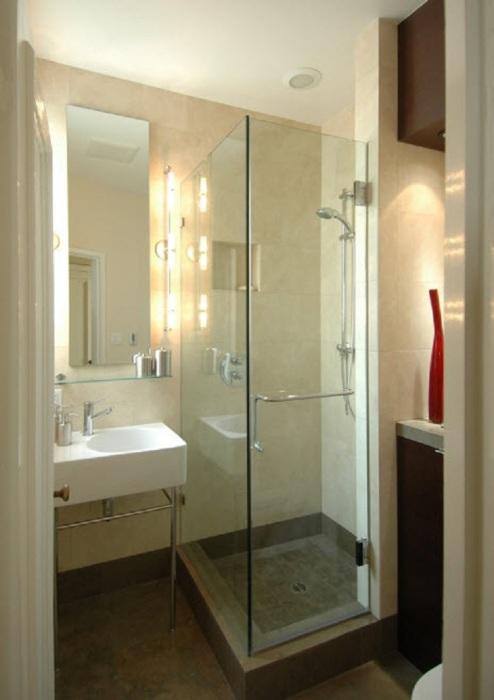 Если у вас маленькая ванная, отдайте предпочтение светлым тонам.