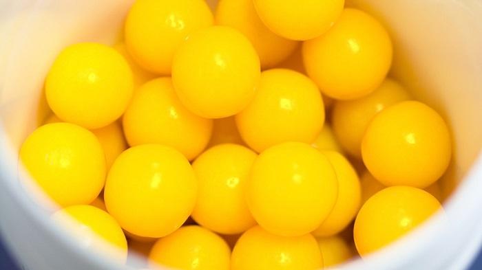 Всем известные витаминки детства, с кисленькой начинкой внутри.