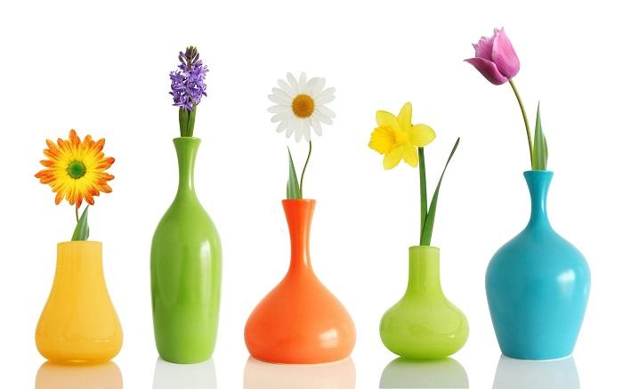 Чтобы ваши цветы простояли дольше, воспользуйтесь советом из далеких 80-х. Всем известно, что цветы долго стоять не будут, но на 3-4 дня им смело можно продлить жизнь.