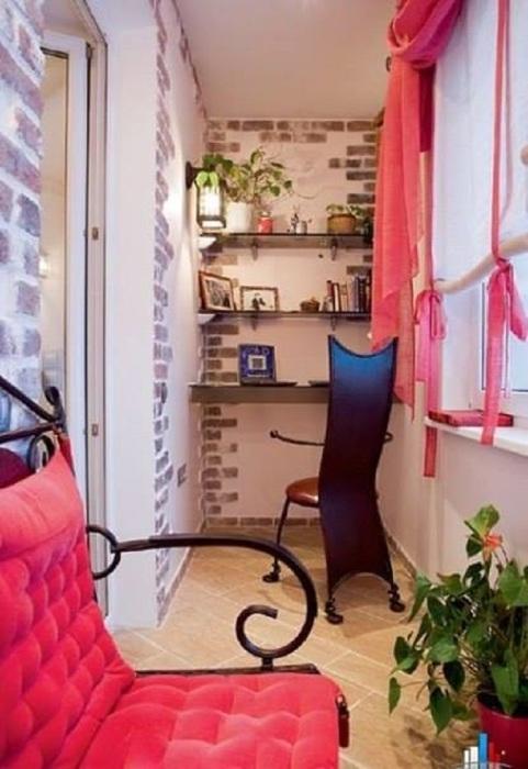 Немного волшебства, чуть розовых ноток и балкон для девушек и женщин готов.