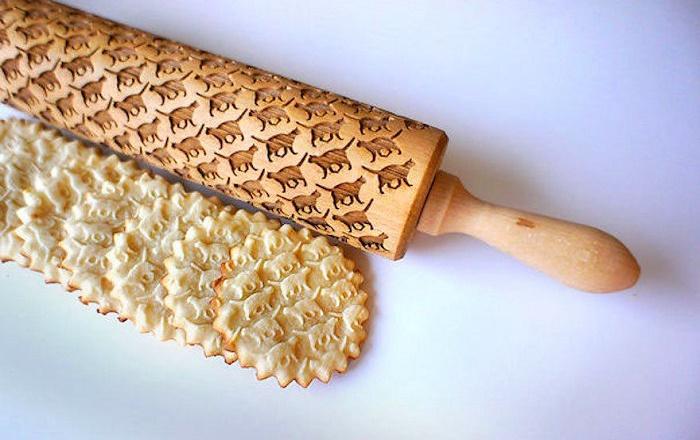 Такая скалка сделает ваше печенье необычным и оригинальным, для детей будет самое то.