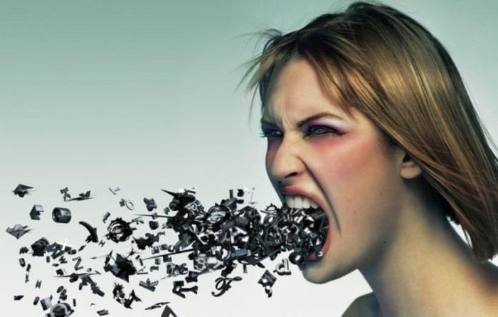 Когда из уст женщин слышна нецензурная речь, это несомненно отталкивает мужчин.