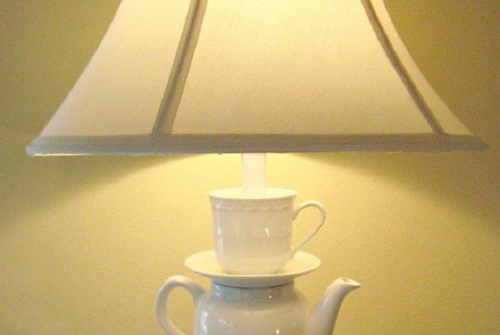 Интересная идея для оригинального светильника.