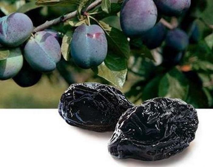 Чернослив используется в разных блюдах — от десерта до приправы к мясу.