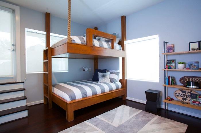 Дерево и канат хорошо сочетаются, кровать получится практичная и симпатичная.