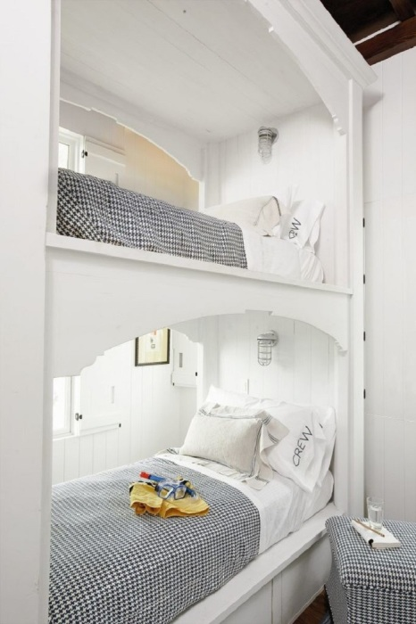 Если хотите просыпаться с рассветом, тогда такая кровать отлично подойдет для приятного пробуждения.