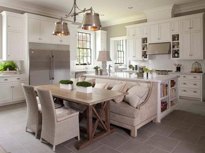 Эта идея для тех, у кого в доме много места, но не хотелось далеко от стола ходить до кухни.